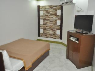 Oyster Plaza Hotel Manila - Deluxe Single Room