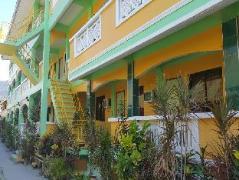 White Beach Hotel Bar & Restaurant | Philippines Budget Hotels