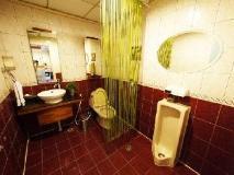 Gaudi Hotel: bathroom