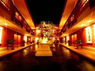 Pretty Resort Hotel and Spa Bangkok - Exterior