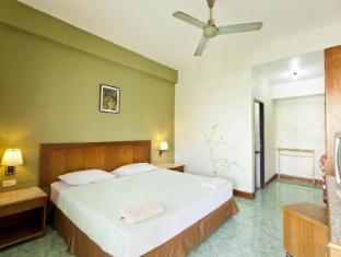 Baan Nitra Guesthouse Phuket - Standard Fan
