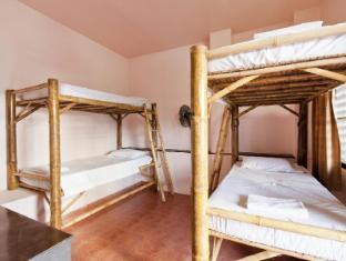 Baan Nitra Guesthouse Phuket - Fan Dormitory Room