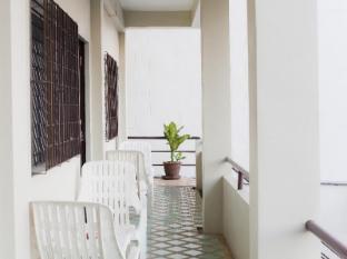 Baan Nitra Guesthouse Phuket - Balcony Fan or Standard Aircon