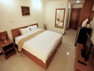 Rafael Mansion Bangkok Airport Bangkok - Superior Room
