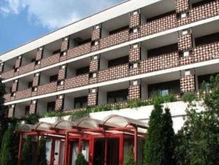 /hotel-uni/hotel/balatonfured-hu.html?asq=vrkGgIUsL%2bbahMd1T3QaFc8vtOD6pz9C2Mlrix6aGww%3d