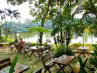 Hollanda Montri Guesthouse Chiang Mai - Hotel Aussenansicht