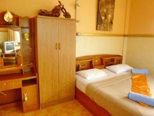 Hollanda Montri Guesthouse Чианг Май - Стая за гости