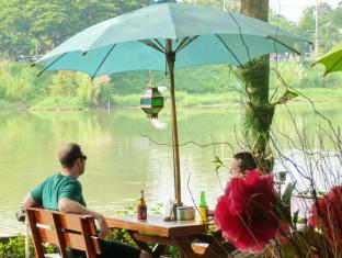 Hollanda Montri Guesthouse Chiang Mai - Restoran
