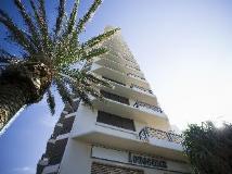 BreakFree Longbeach Hotel: exterior