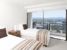 BreakFree Longbeach Hotel: interior