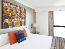 BreakFree Longbeach Hotel: guest room