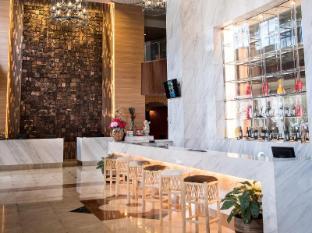 Crown Vista Batam Hotel