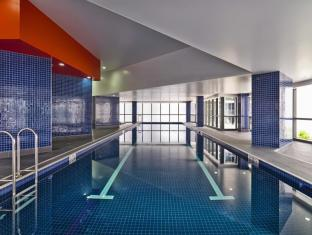 Meriton Serviced Apartments Adelaide Street Brisbane - Indoor Pool & Spa
