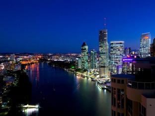 Meriton Serviced Apartments Adelaide Street Brisbane - Brisbane River