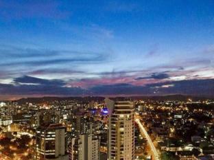Meriton Serviced Apartments Adelaide Street Brisbane - City View