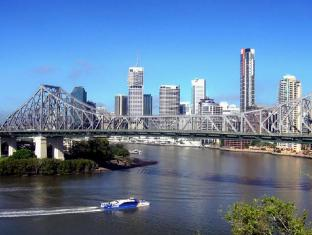 Meriton Serviced Apartments Adelaide Street Brisbane - Storey Bridge