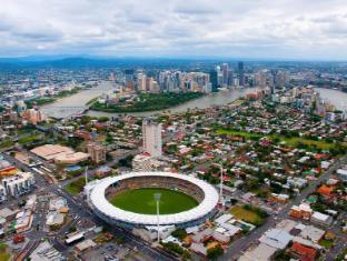 Meriton Serviced Apartments Adelaide Street Brisbane - Gabba Stadium