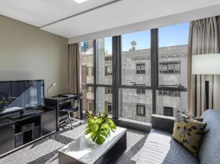 Meriton Serviced Apartments Adelaide Street Brisbane - Suite Room