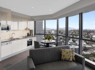 Meriton Serviced Apartments Adelaide Street Brisbane - View