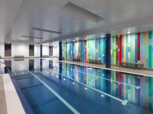 Meriton Serviced Apartments Broadbeach Gold Coast - Swimming Pool