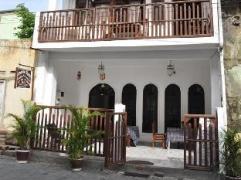 Thenu Rest Guest House   Sri Lanka Budget Hotels
