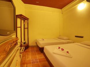 Relax Guest House Phuket - Külalistetuba