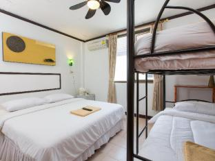 Connect Guesthouse Phuket - Guest Room