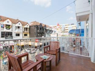 Connect Guesthouse Phuket - Balcony/Terrace