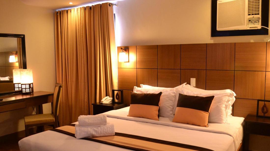 ピナクル ホテル & スイーツ (Pinnacle Hotel and Suites)