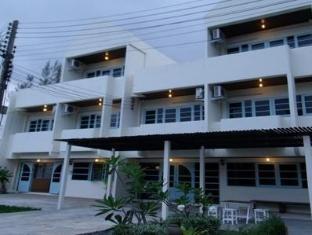 /albatross-guesthouse-thungwualaen-beach/hotel/chumphon-th.html?asq=jGXBHFvRg5Z51Emf%2fbXG4w%3d%3d