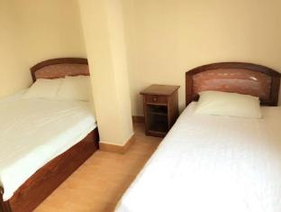 Riverside Hotel Vientiane - Triple Air Conditioning with Window