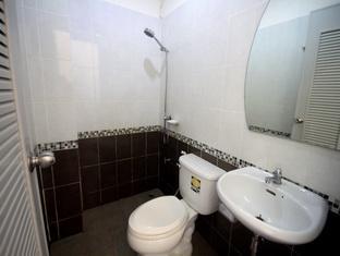 My Place @ Surat Hotel Suratthani - Bathroom