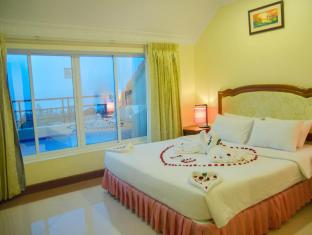 Golden Sea Hotel & Casino Sihanoukville - Honeymoon with Balcony Sea View