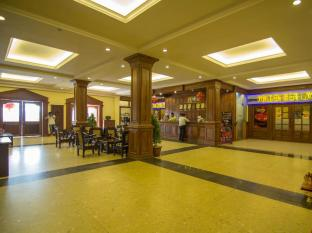 Golden Sea Hotel & Casino Sihanoukville - Clean Lobby & Cool