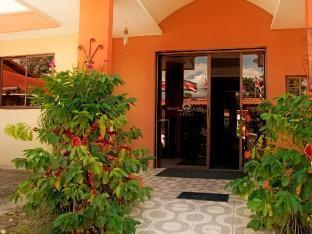 Berlor Airport Inn Alajuela - Exterior