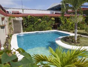 Berlor Airport Inn Alajuela - Swimming Pool