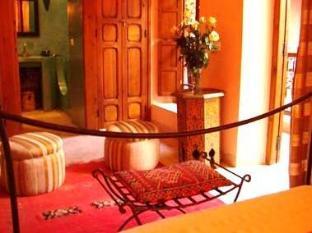 Dar Taliwint Hotel Marrakech - Pink Room