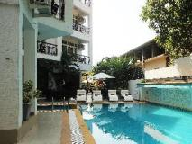 Living Room Hotel: swimming pool