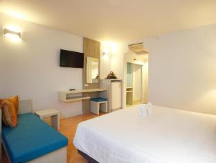 On Hotel Phuket - Superior City View