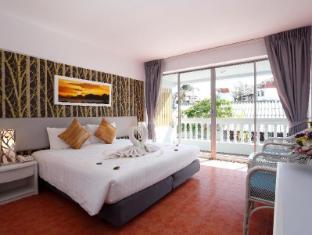 On Hotel Phuket - Deluxe Balcony