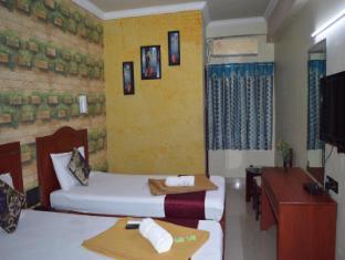 /mallika-residency/hotel/chennai-in.html?asq=jGXBHFvRg5Z51Emf%2fbXG4w%3d%3d