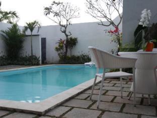 Spazzio Bali Hotel Bali - pool area