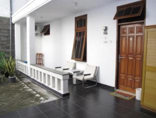 Homestay Kalijudan Surabaya - Exterior