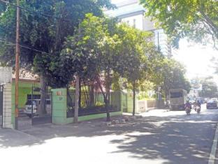 Soerabaja Place Guest House Surabaya - Entrance