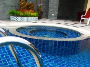 Patong Hemingway's Hotel Phuket - Pezsgőfürdő