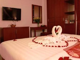 Patong Hemingway's Hotel Phuket - Konuk Odası