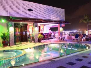 Patong Hemingway's Hotel Phuket - Uszoda