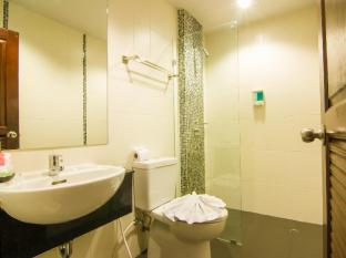 Patong Hemingway's Hotel Phuket - Fürdőszoba
