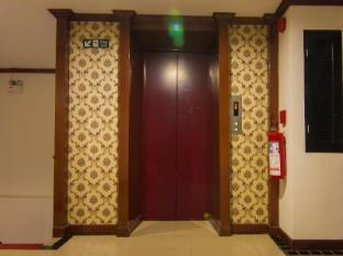 Patong Hemingway's Hotel Phuket - Tesis özellikleri
