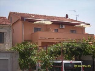 /apartments-and-rooms-nediljko/hotel/zadar-hr.html?asq=jGXBHFvRg5Z51Emf%2fbXG4w%3d%3d